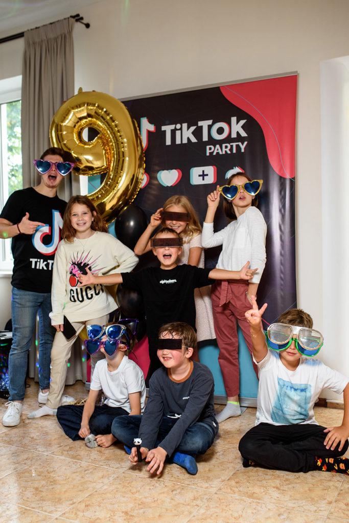 TikTok вечеринка